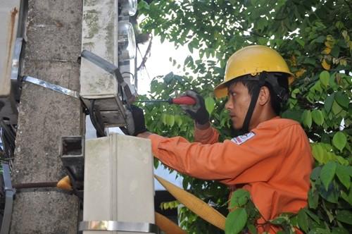 Hà Nội: nắng nóng kéo dài, tiêu thụ điện tăng mạnh - ảnh 2