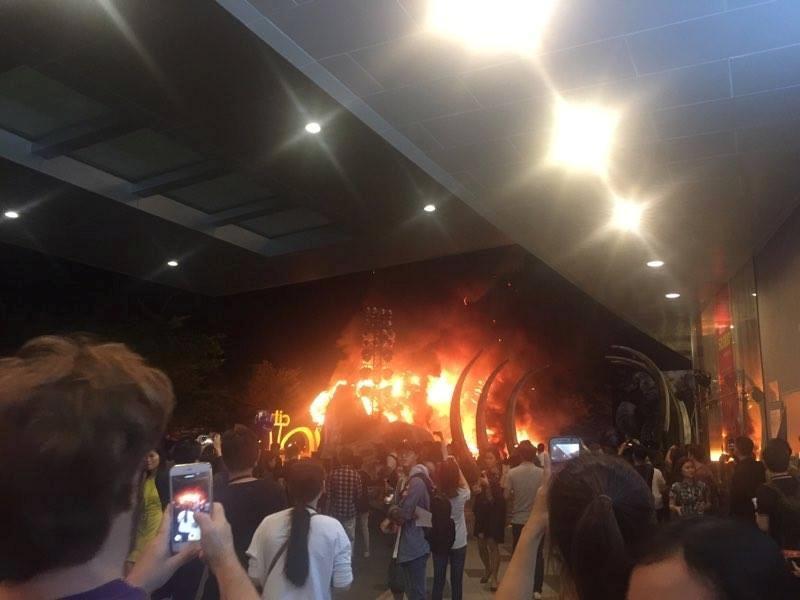 Cháy nổ tại buổi ra mắt phim Kong: Skull Island - ảnh 2