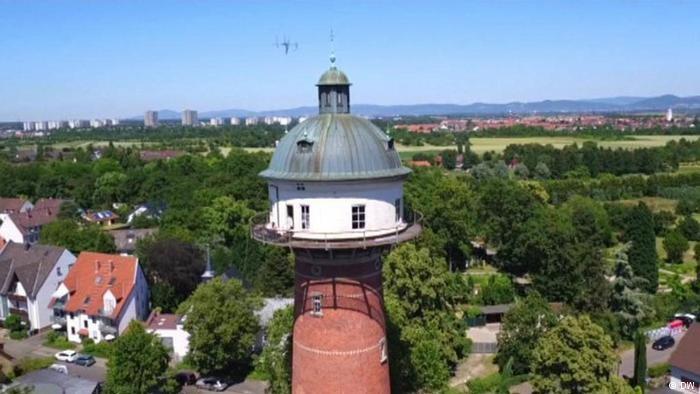 Nhà kiểu tháp nước