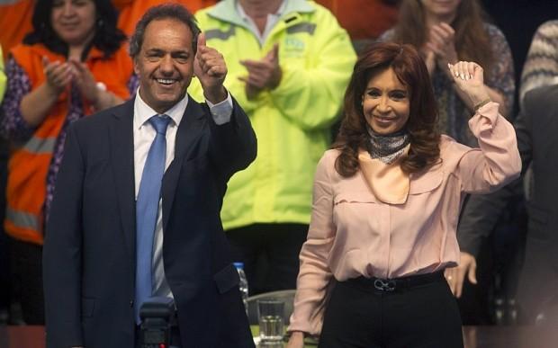 Nữ tổng thống Argentina nhảy 'cực sung' trên sân khấu - ảnh 2