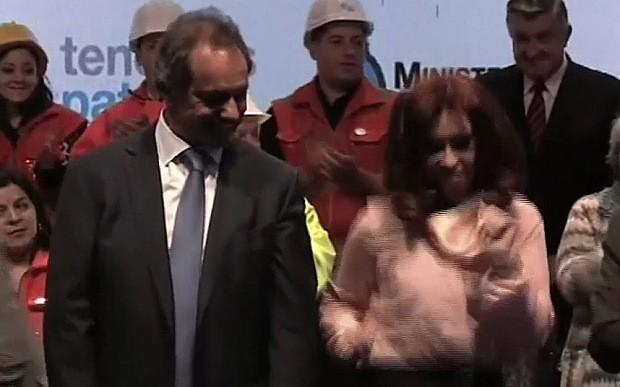Nữ tổng thống Argentina nhảy 'cực sung' trên sân khấu - ảnh 1