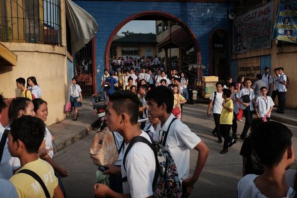 Người dân Philippines phản đối học 12 năm phổ thông - ảnh 1
