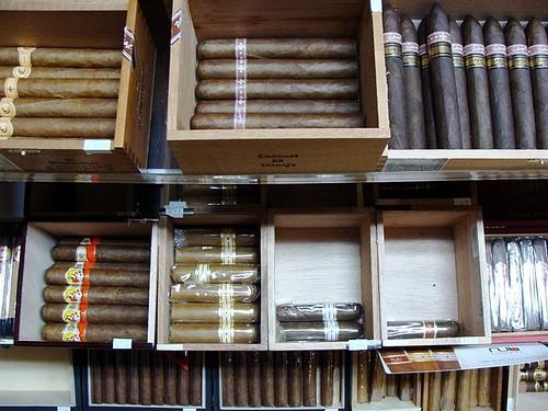 Hai nhà ngoại giao Triều Tiên bị bắt khi đang buôn lậu xì gà ở Brazil - ảnh 1