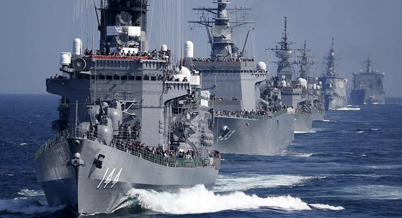 Shinzo Abe trở thành Thủ tướng Nhật đầu tiên lên tàu sân bay Mỹ - ảnh 2