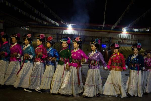 Vén màn bí ẩn 'nữ nhi quốc' cuối cùng của Trung Quốc - ảnh 4