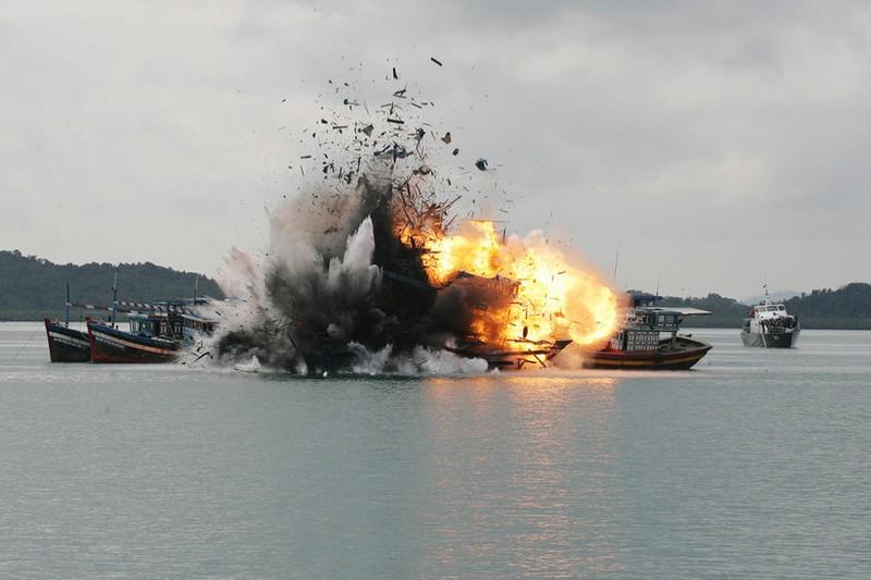 Indonesia đánh chìm sáu tàu đánh bắt cá của Việt Nam - ảnh 1