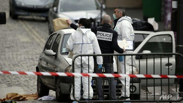 Tìm thấy chiếc xe hơi sử dụng trong vụ khủng bố Paris - ảnh 1