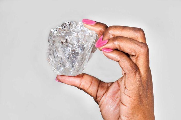 Phát hiện viên kim cương lớn nhất thế giới trong hơn 100 năm qua - ảnh 1