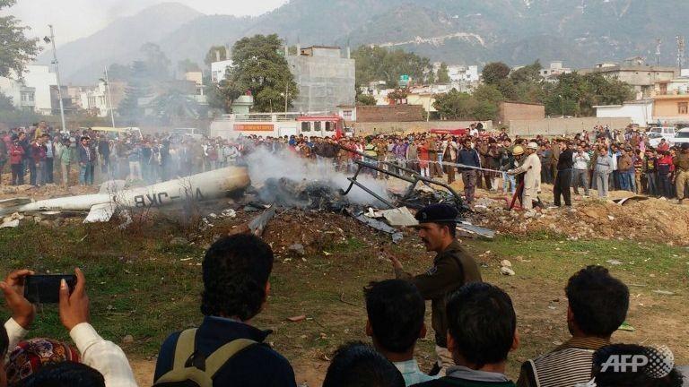 Rơi trực thăng ở Ấn Độ, 7 người chết - ảnh 1