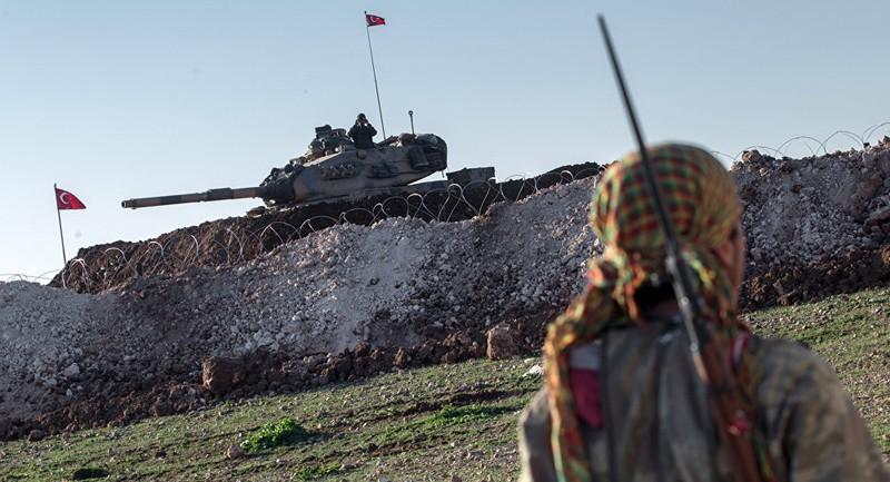 Thổ Nhĩ Kỳ điều 20 xe tăng tới biên giới Syria - ảnh 1