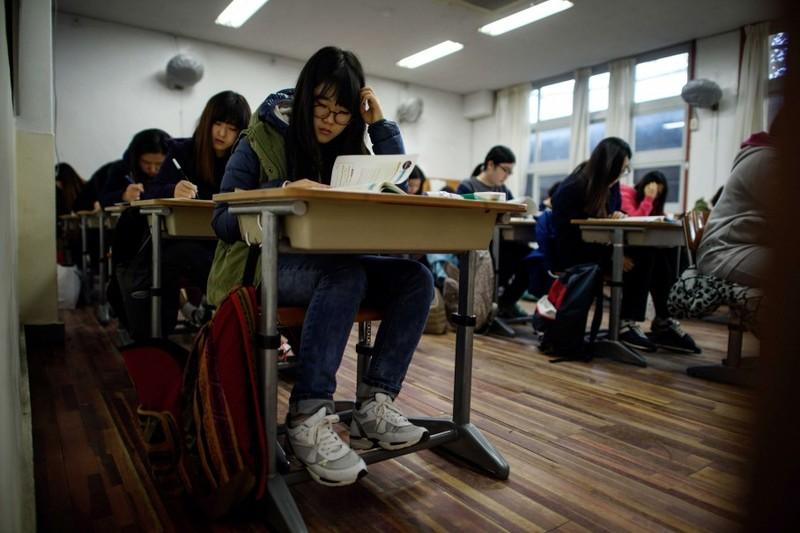 Hủy kỳ thi SAT ở Trung Quốc, Ma Cao vì thí sinh biết trước đề thi - ảnh 1