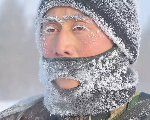 Những hình ảnh lạnh đến 'cắt thịt cắt da' ở Trung Quốc - ảnh 7