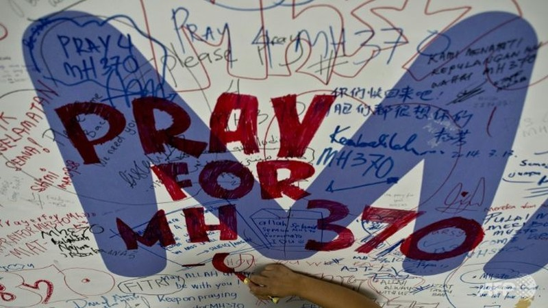 Bất ngờ tìm thấy cánh đuôi nghi của MH370 - ảnh 1