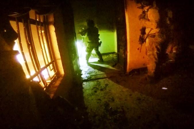 Đặc nhiệm Mỹ bắt giữ 'trùm' vũ khí hóa học của IS - ảnh 1