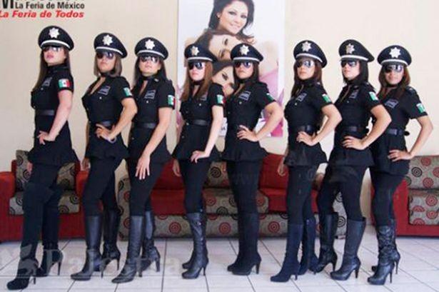 Mexico giải tán đơn vị cảnh sát nữ 'gợi cảm nhất thế giới' - ảnh 1