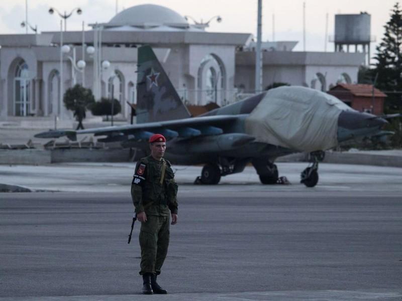 Nga vẫn sẽ tiếp tục không kích khủng bố ở Syria - ảnh 1