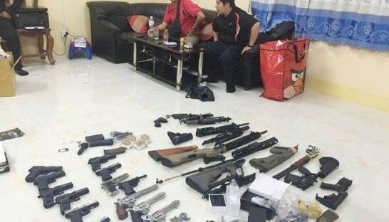 Campuchia bắt hai người Việt chuyển lậu hàng chục vũ khí - ảnh 1