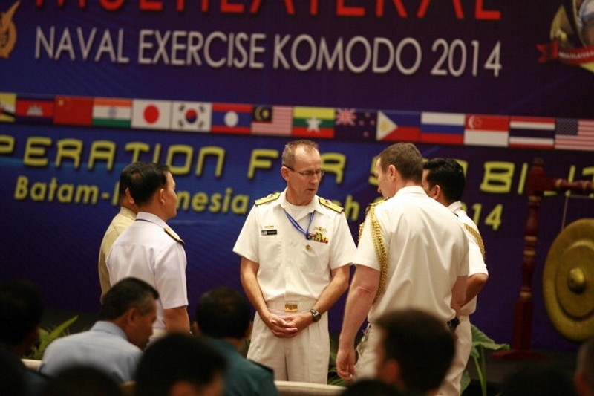 Trung Quốc đưa tàu chiến sang Indonesia tập trận chung - ảnh 1