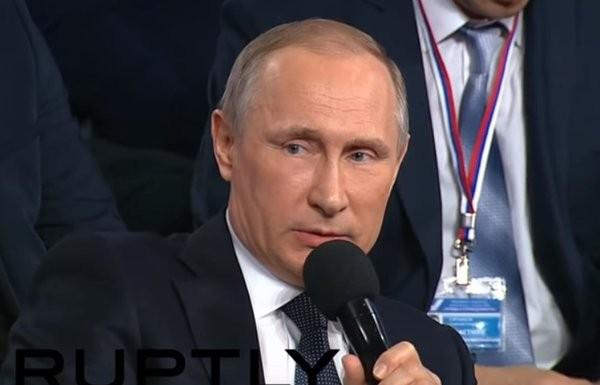 Những màn trổ tài ngoại ngữ của Tổng thống Putin - ảnh 1