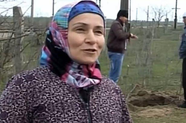 Cụ bà nông dân 60 tuổi giết cả ổ rắn 80 con - ảnh 1