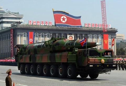 Triều Tiên bị nghi chuẩn bị phóng tên lửa đạn đạo vươn tới Mỹ - ảnh 1
