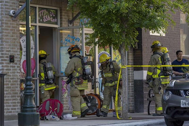 Mỹ: Nghi tự tử bằng khí độc, 1 người chết, 11 người bị thương - ảnh 1