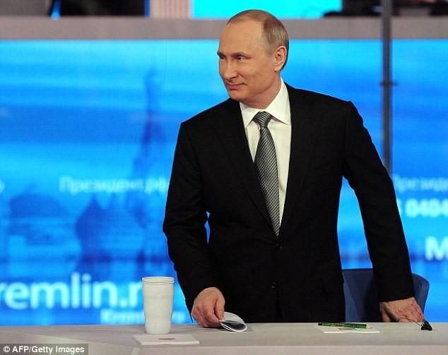 'Nếu Poroshenko và Erdogan sắp chết đuối, ông Putin sẽ cứu ai?' - ảnh 1