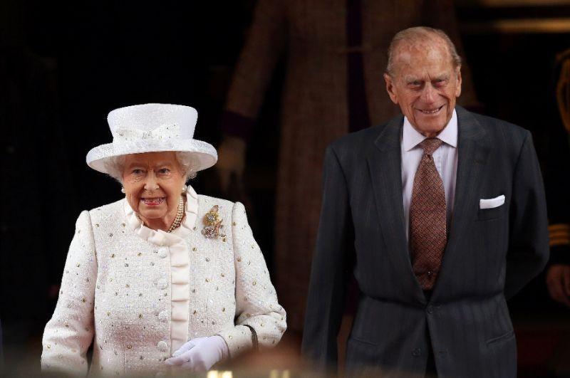 Thư tình của Nữ hoàng Anh được bán giá 20.000 USD - ảnh 1