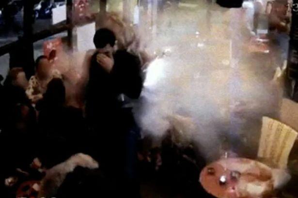 Pháp công bố video kẻ khủng bố Paris kích nổ đai bom - ảnh 1