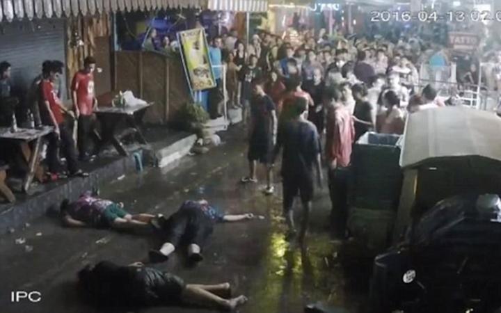 3 du khách Anh bị đánh ngất xỉu tại Thái Lan - ảnh 1