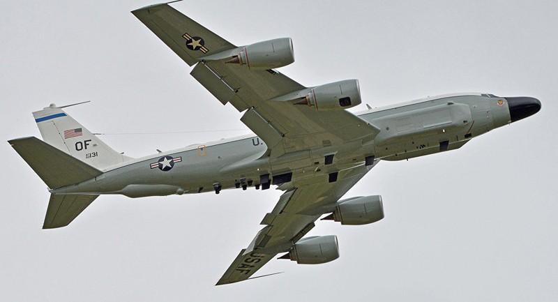 Máy bay trinh sát Mỹ áp sát biên giới Nga - ảnh 1