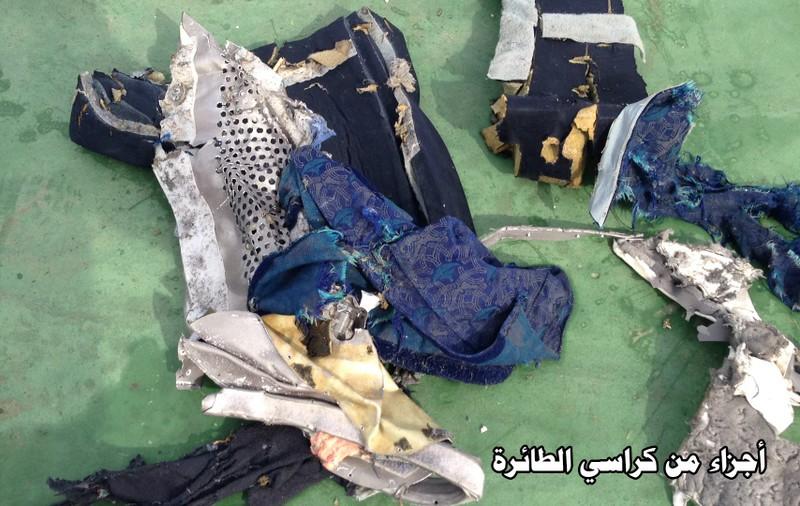 Công bố hình ảnh đầu tiên về mảnh vỡ của chuyến bay Ai Cập gặp nạn - ảnh 2
