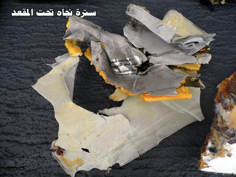 Công bố hình ảnh đầu tiên về mảnh vỡ của chuyến bay Ai Cập gặp nạn - ảnh 5