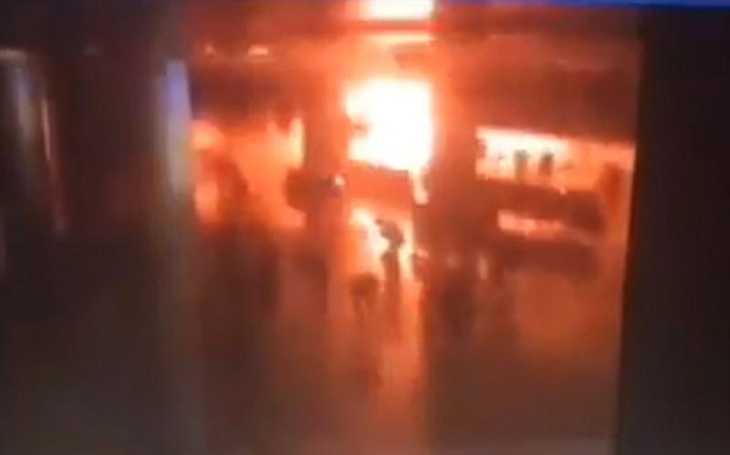 ba kẻ tấn công sân bay Thổ Nhĩ Kỳ kích nổ