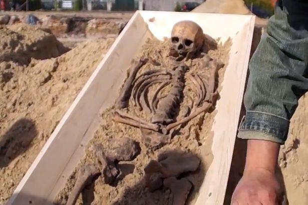 bộ xương ma cà rồng từ thế kỷ 16