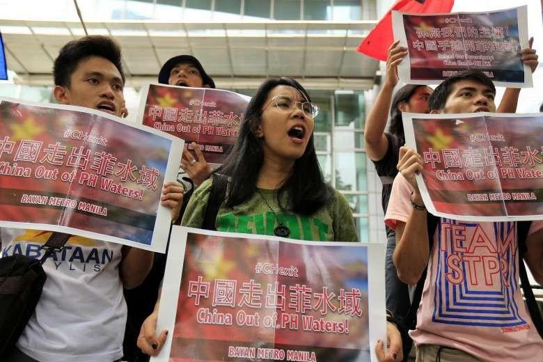 Người dân Philippines biểu tình trước lãnh sự quán Trung Quốc