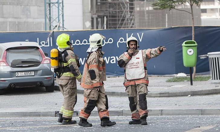 Tòa chung cư 75 tầng ở Dubai bốc cháy ngùn ngụt - ảnh 7