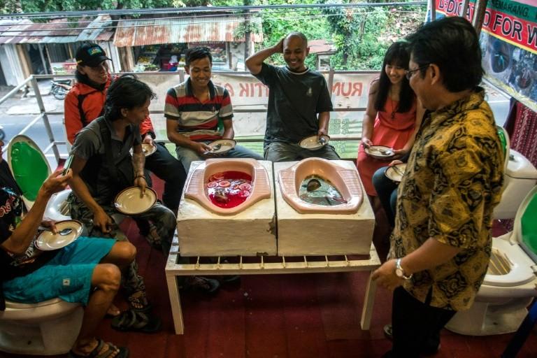 nhà hàng toile ở Indonesia
