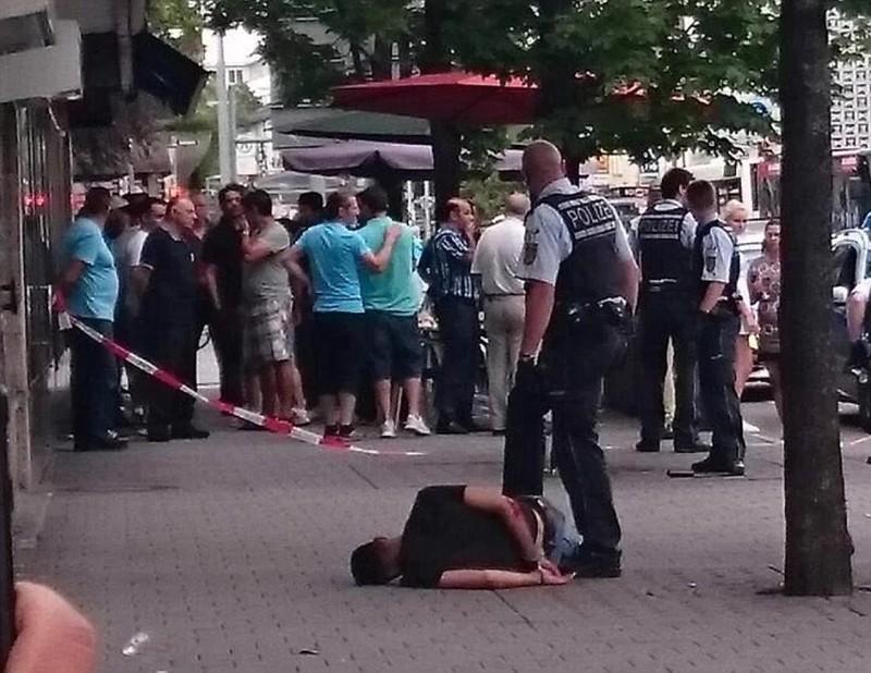 tấn công bằng dao rựa ở Đức