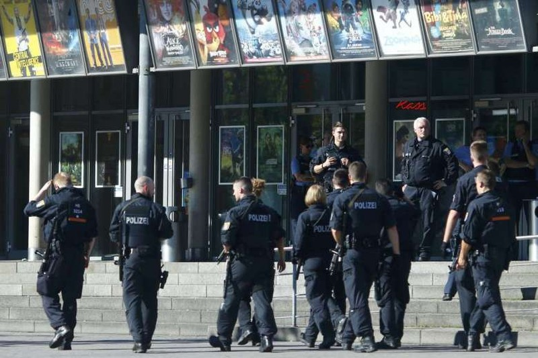 nổ súng phòng khám Berlin