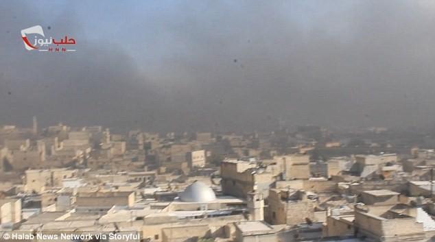 trẻ em syria đốt lốp xe