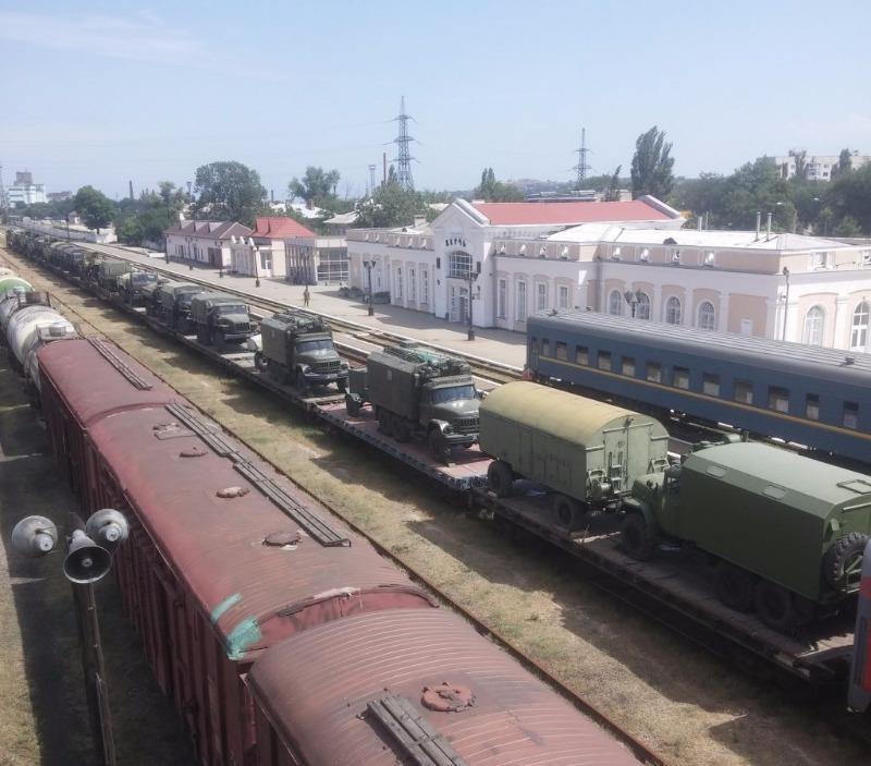 xe tăng Nga tiến sát biên giới Ukraine