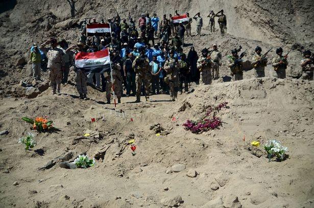 Iraq treo cổ 36 thành viên IS