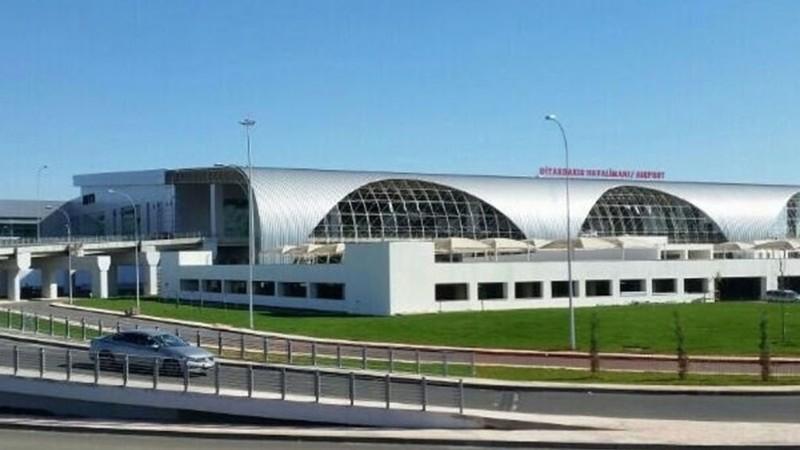 sân bay Thổ Nhĩ Kỳ trúng tên lửa