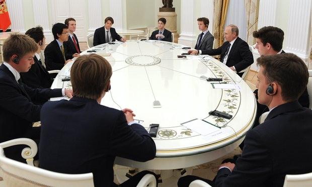 11 nam sinh Anh gặp ông Putin