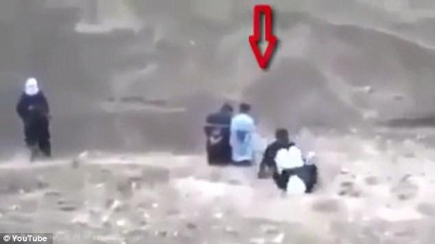 IS hành quyết tù nhân