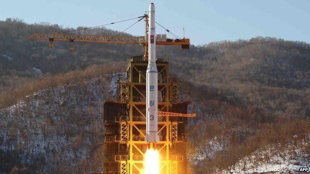 Triều Tiên phóng vệ tinh
