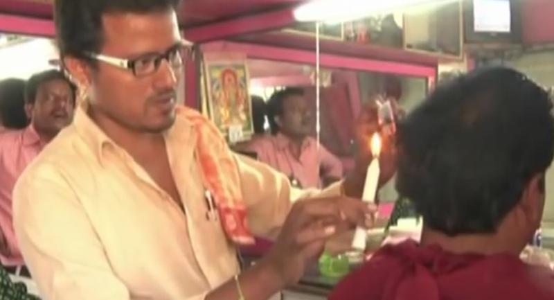 dùng nến cắt tóc tại Ấn Độ