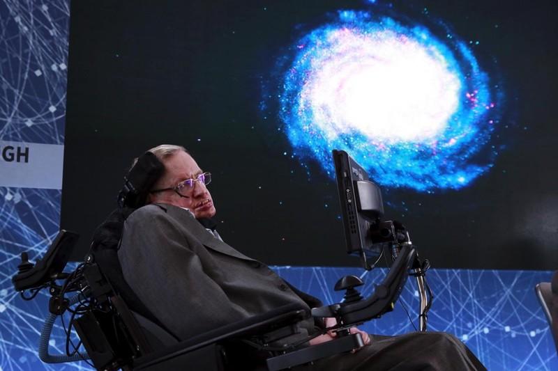 Nhà vật lý nổi tiếng Stephen Hawking