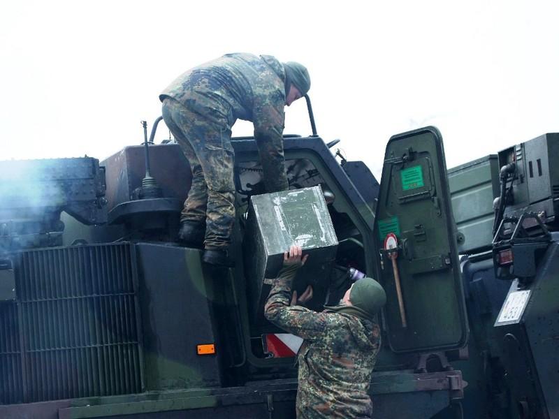 NATO tập trận